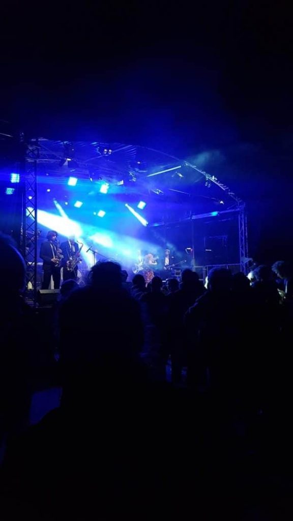U-Turn - Dickes G 2018 - Bühne Front